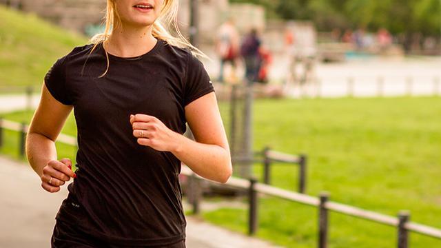 5 Manfaat Lari di Malam Hari, Bisa Perbaiki Kualitas Tidur