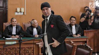 Ahmad Dhani Divonis 1 Tahun 6 Bulan Penjara