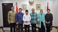 Wakil Presiden Ma'ruf Amin bertemu dengan Komisaris Utama Tokopedia, Agus Martowardojo bersama jajarannya di Kantor Wapres, Jalan Merdeka Utara, Rabu (30/10/2019).