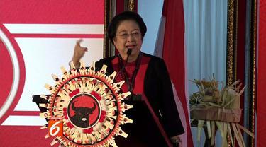 Buka Kongres ke-5 PDIP, Megawati Soekarnoputri minta Jokowi agar kursi menteri lebih banyak untuk kadernya.