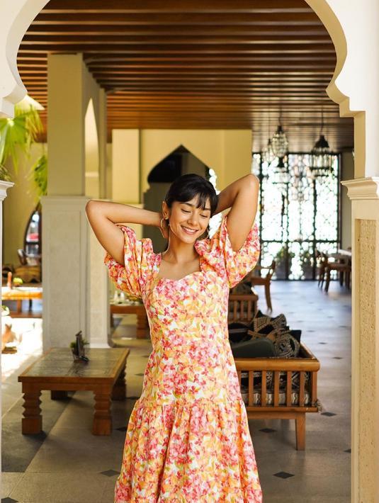 Makeup seakan wajah perempuan, akan tetapi Fanny Ghassani tampil percaya diri dengan bare face. (Foto: instagram.com/fannyghassani)