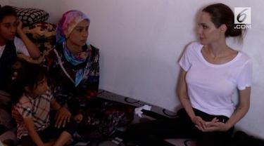 Komisaris Khusus PBB untuk Urusan Pengungsi (UNHCR), Angelina Jolie, kembali ke Irak utara bulan lalu untuk bertemu dengan para pengungsi yang melarikan diri dari Suriah dan sekarang tinggal di Irak.