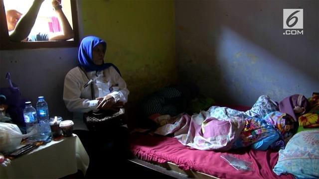 Selama kurang lebih setahun, seorang Ibu menyekap anak-anaknya di rumah. Dan begini kondisi mereka setelah Ibunya ditangkap polisi.