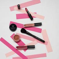Savvy Minerals dari Young Living memperkenalkan produk makeup dengan standar Clean Beauty yang baru. Sumber foto: Instagram/Savvy Minerals.
