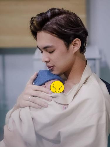6 Momen Lahiran Anak Pertama Dinda Hauw, Dikaruniai Bayi Laki-laki
