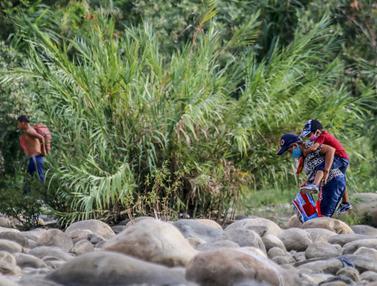 Suasana Jalur Ilegal Perbatasan Kolombia dan Venezuela