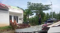 Kondisi rumah warga Kabupaten Banyuasin yang rusak akibat diterjang angin kencang puting beliung (Liputan6.com / Nefri Inge)
