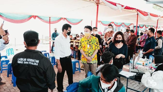 LPCK Gotong-royong Gelar Vaksinasi di Pasar Tradisional dan Ritel-UMKM - Regional Liputan6.com