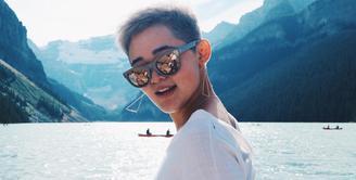 Penampilan Gisela Cindy ketika menempuh pendidikan di luar negeri sempat mencuri perhatian. Ia memotong cepak dan mewarnai rambutnya berwarna silver. (Foto: instagram.com/giselacindy12)