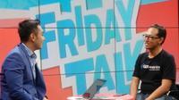 Ryan Wierdayanto (kiri) dan Joh Juda (kanan) dalam acara Friday Talk. Foto: Tony Wijaya
