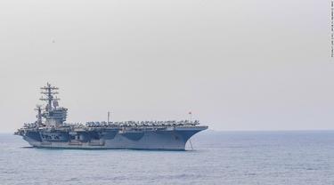 Kapal induk AS USS Nimitz di Teluk Bengal, India, saat latihan gabungan Malabar (US Navy)