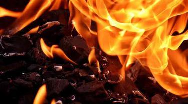 Rumah Keluarga Juragan Ikan Terbakar, 6 Orang Tewas