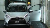 Toyota Sienta mendapat perlakuan khusus di jalur produksi (ist)