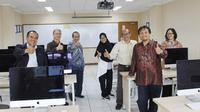 "Mengusung tema ""Limitless"", Himpunan Mahasiswa Fakultas Komputer President University menggelar event Computing Atmosphere (CompSphere)."