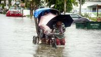 Banjir di Nepal akibat guyuran hujan muson pada Kamis 11 Juli 2019 (AFP/Arindam Dey)