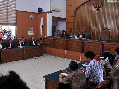 Sidang lanjutan praperadilan Komjen Budi Gunawan (BG) di Pengadilan Negeri (PN) Jakarta Selatan, kembali digelar Senin (16/2/2015).  Sidang beragendakan pembacaan putusan oleh hakim PN Jakarta Selatan. (Liputan6.com/Johan Tallo)