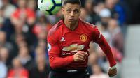3. Alexis Sanchez - Banyak yang mengira Man City akan datangkan Sanchez saat ia menolak perpanjangan kontrak dari Arsenal. Baik di tahun terakhir kontraknya taupun menuggu tahun berikutnya dengan gratis. (AFP/Lindsay Parnaby)