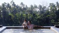 Sejak beberapa hari, Rio dan istri membagikan potret kebahagiaan saat sedang berlibur bersama di Kamandalu Ubud Bali. (Instagram/riodewanto)