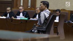 Presiden Direktur PT Grand Kartech, Kenneth Sutardja saat menjalani sidang perdana kasus dugaan suap kepada Direktur PT Krakatau Steel, Wisnu Kuncoro di Pengadilan Tipikor, Jakarta, Rabu (12/6/2019). Sidang beragendakan mendengar pembacaan dakwaan dari JPU KPK. (Liputan6.com/Helmi Fithriansyah)