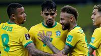 Timnas Brasil sukses memetik kemenangan di ajang kualifikasi Piala Dunia 2022 zona CONMEBOL. Berhadapan dengan Ekuador, Brasil berhasil menang dengan skor 2-0 di Estadio Beira-Rio, Sabtu (5/6/2021). (AFP/Silvio Avila)