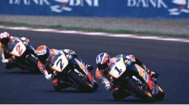 Sebelum nama Valentino Rossi dan Jorge Lorenzo, nama-nama berikut ini telat mencatatkan sejarah pada perhelatan balap motor MotoGP.