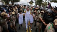 Massa kesal karena menganggap pemerintah Brasil tidak peduli dengan keadaan ekonomi yang melanda negaranya (Reuters).