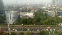 Kemacetan juga sudah dilaporkan terjadi beberapa kilometer sebelum memasuki Tol Dalam Kota.