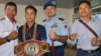Petinju Indonesia Iwan Zoda usai merebut sabuk juara WBO Aspac