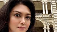 Bella Saphira penasaran ingin melihat penampakan saat mengunjungi bangunan-bangunan tua yang bersejarah (Dok.Instagram/@bellasaphiraofficial/https://www.instagram.com/p/B_CZqsHnVyx/Komarudin)