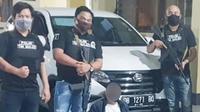 Tim Khusus (Timsus) Maleo Polda Sulut menangkap REK pada Jumat (22/5/2020), sekitar pukul 22.00 Wita.