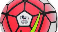 Bola baru Liga Premier Inggris musim 2015-16.