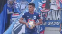Bek muda PSIS Semarang, Frendi Saputra. (Bola.com/Vincentius Atmaja)