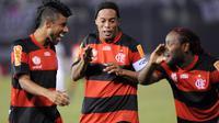 Pada tahun 2011-2012 Flamengo berhasil mendapatkan servis Ronaldinho. Ia mencetak 15 gol dari 33 kali penampilan. (AFP/Norberto Duarte)