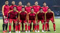 Para pemain Timnas Indonesia foto bersama sebelum melawan Taiwan pada laga Grup A Asian Games di Stadion Patriot, Jawa Barat, Minggu (12/8/2018). Indonesia menang 4-0 atas Taiwan. (Bola.com/Vitalis Yogi Trisna)
