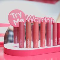 Lipstik ringan tanpa membuat bibir kering. (Foto: Daniel Kampua/ Fimela)