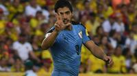 Penyerang timnas Uruguay, Luis Suarez, berhasil menyamai rekor gol milik legenda Argentina, Hernan Crespo, pada kualifikasi Piala Dunia 2018 setelah mencetak gol ke gawang Kolombia. (AFP)