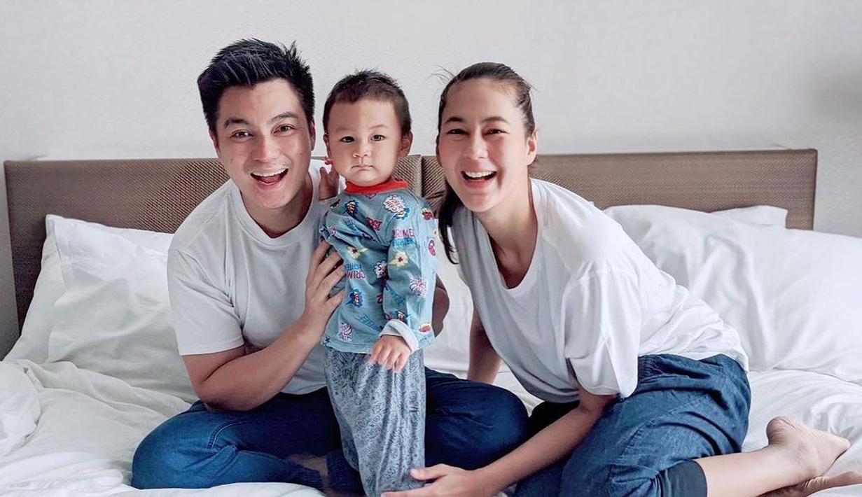 Pasangan muda Paula Verhoeven dan Baim Wong membawa kabar bahagia. Sekarang ini, Paula dikabarkan tengah mengandung anak keduanya. Yang bearti, Kiano Tiger Wong akan menjadi seorang kakak. (Instagram/paula_verhoeven)