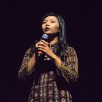 Livi Zheng dalam konser, pentas seni dan premiere film Amazing Blitar. (Istimewa)