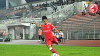 Pemain asal Indonesia yang memperkuat Kelantan FC di Malaysia, Natanael Siringoringo. (Facebook TRW Kelantan FC).