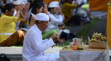 Umat Hindu Bali Rayakan Hari Suci Galungan