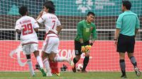 Timnas Uni Emirat Arab U-23 menang 4-3 atas Vietnam lewat adu penalti, pada cabang olahraga sepak bola Asian Games 2018, di Stadion Pakansari, Cibinong, Sabtu (1/8/2018). (AFP/Arief Bagus)