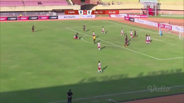 Berita video highlights Shopee Liga 1 2019 antara Persipura Jayapura melawan Perseru Badak Lampung FC yang berakhir dengan skor 1-1, Rabu (10/7/2019).