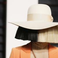 Penyanyi Sia Furler. (AOL.com)