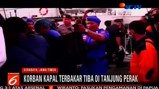 Sebanyak 56 orang yang menjadi korban kapal terbakar terdiri dari 53 orang selamat dan tiga orang meninggal dunia  tiba di Dermaga Terminal Zamrud Utara Pelabuhan Tanjung Perak Surabaya.