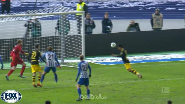 Berita video highlights Bundesliga 2017-2018, Hertha Berlin vs Borussia Dortmund, dengan skor 1-1. This video presented by BallBall.