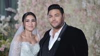 Ivan Gunawan dan Ayu Ting Ting serasi mengenakan busana pengantin (Dok.Instagram/@ivan_gunawan)
