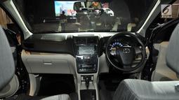 Desain interior New Toyota Avanza saat diluncurkan di Jakarta, Selasa (15/1). Misalnya empat lampu headlamp yang dibelah (bertingkat). Lampu utama menggunakan lampu LED. Fender lebar demi kesan stabil. (Merdeka.com/Iqbal S. Nugroho)