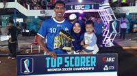 Striker PSIS Semarang, Johan Yoga Utama mendapat gelar pencetak gol terbanyak ISC B 2016. (Bola.com/Romi Syahputra)
