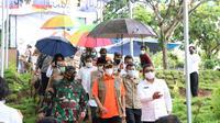 Kepala BNPB Doni Monardo saat melakukan kunjungan di Mamuju, Sulawesi Barat (Foto: Liputan6.com/Abdul Rajab Umar)