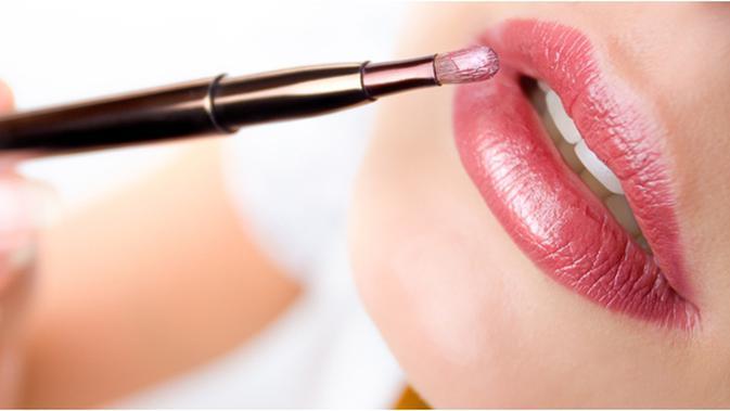 Kapan Harus Pakai Lipgloss? Ini Jawabnya, Ladies - Beauty Fimela.com